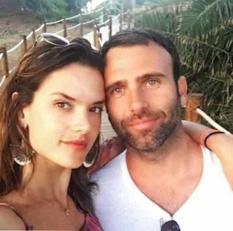 Sú Jamie a Lily datovania 2015